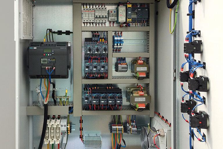 Caja de control eléctrica
